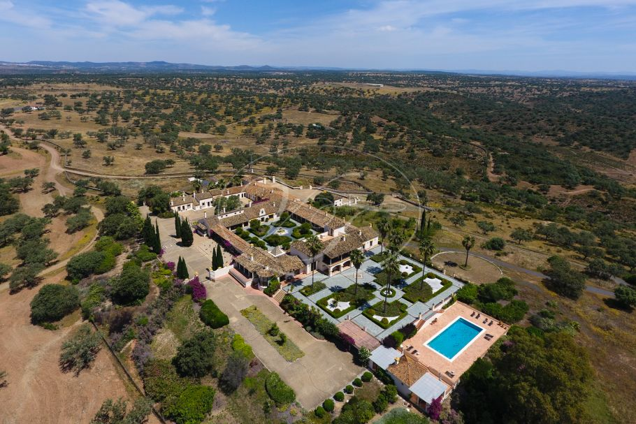 Cortijo El Matuloso, luxury and exclusive hunting estate, Huelva