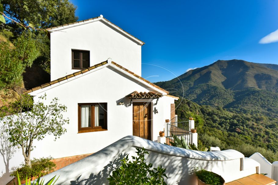 Beautiful Country House, Casares