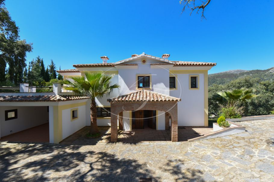 New built country villa with stunning views, Casares