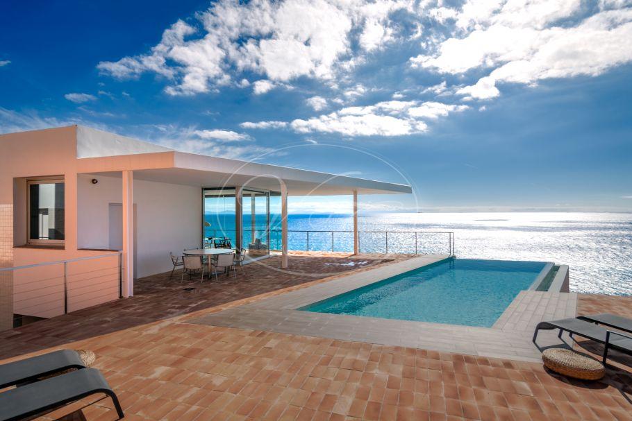 Contemporary villa with stunning sea views, Zahara de los Atunes