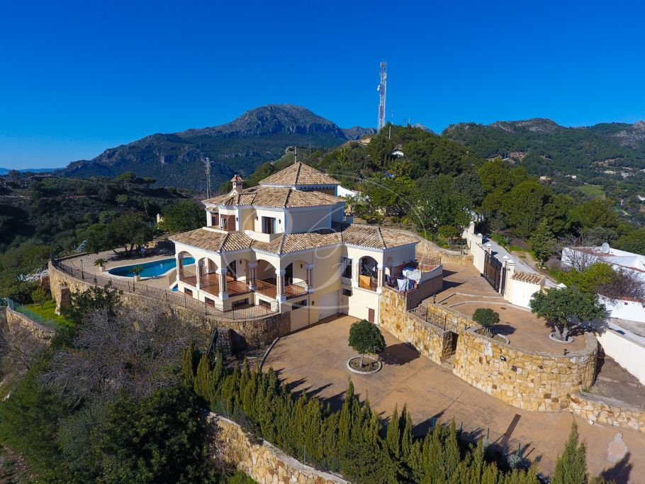 Impressive Villa with Panoramic Views, Casares