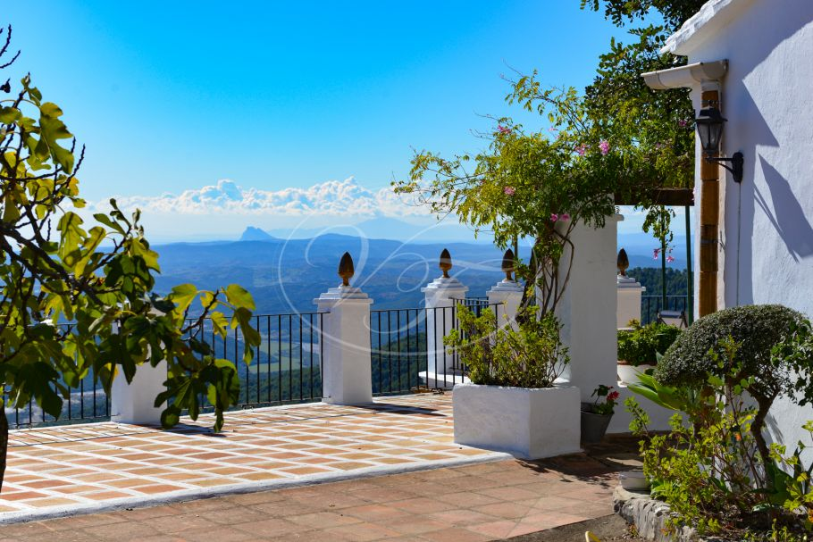 Cortijo with breathtaking views, Gaucin