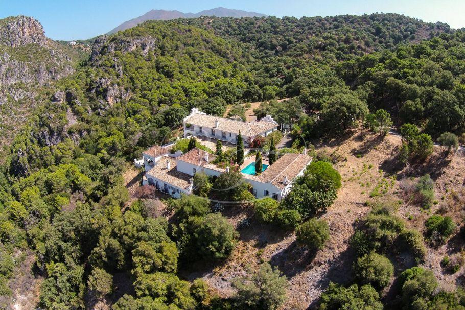 Spectaculair Landgoed met Hacienda, Casares