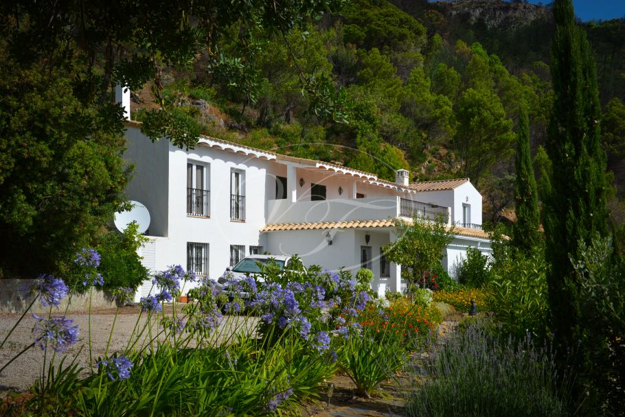 Country villa, finca with spectacular sea view, Casares