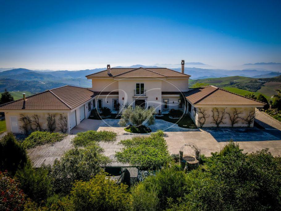 Luxury modern styled villa, Antequera