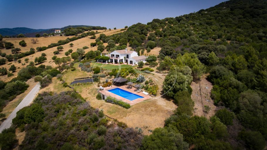 Quality Cortijo with stunning views , Gaucin