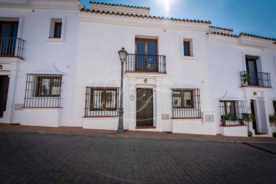 Casa adosada con impresionantes vistas al pueblo, Casares