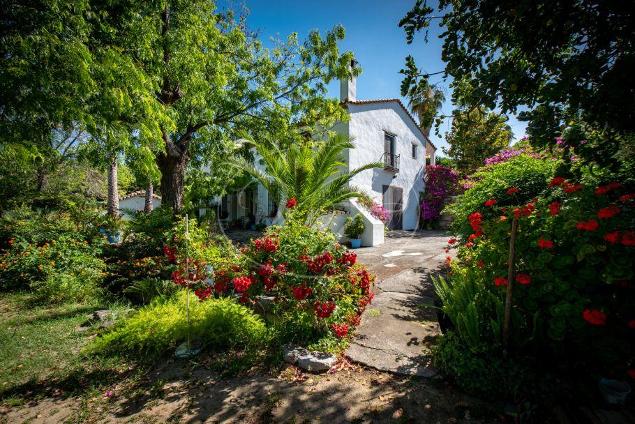 Privé gelegen landgoed, Casares
