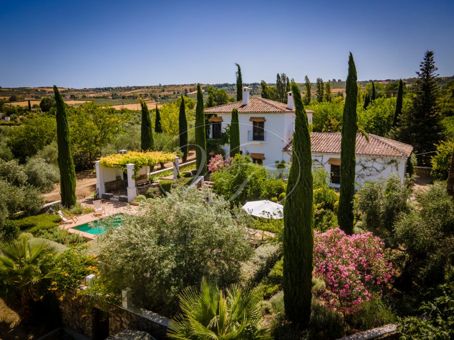 Traditional country villa with vineyard, Ronda
