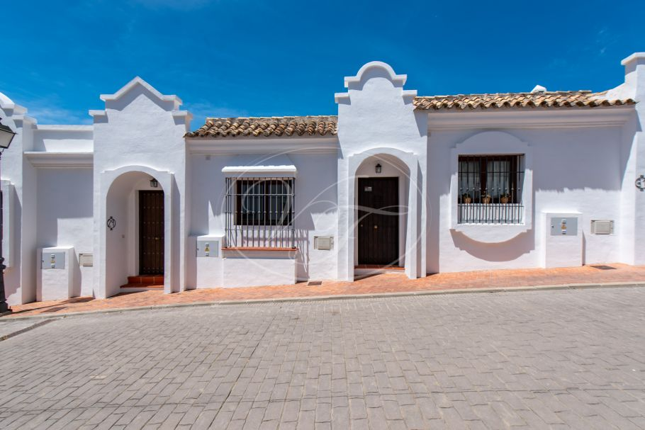 Stunning Townhouse with incredible views , Casares