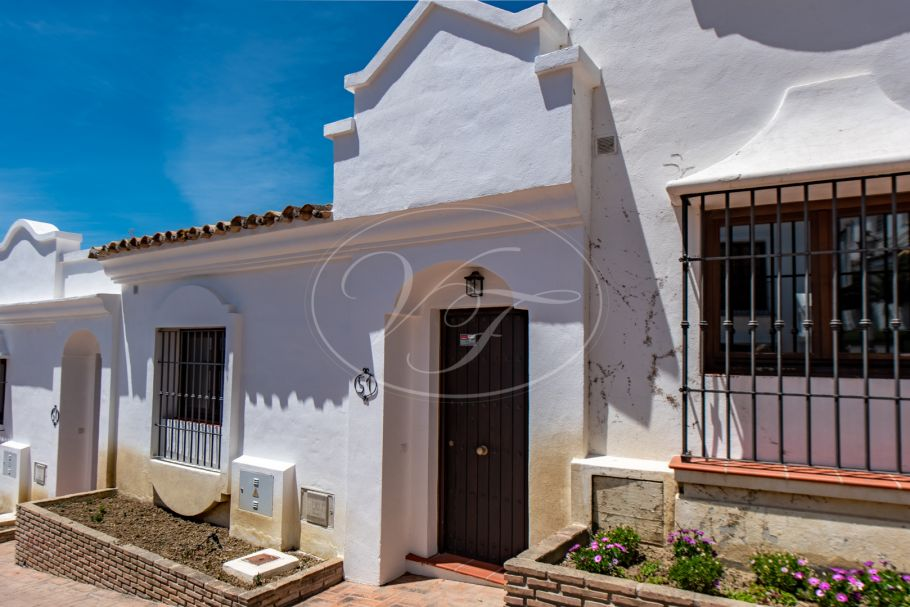Lovely Townhouse with 3 beds, 3 baths, Casares