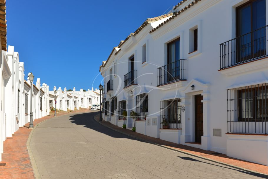 Town House with 3 beds, 3 baths, Casares