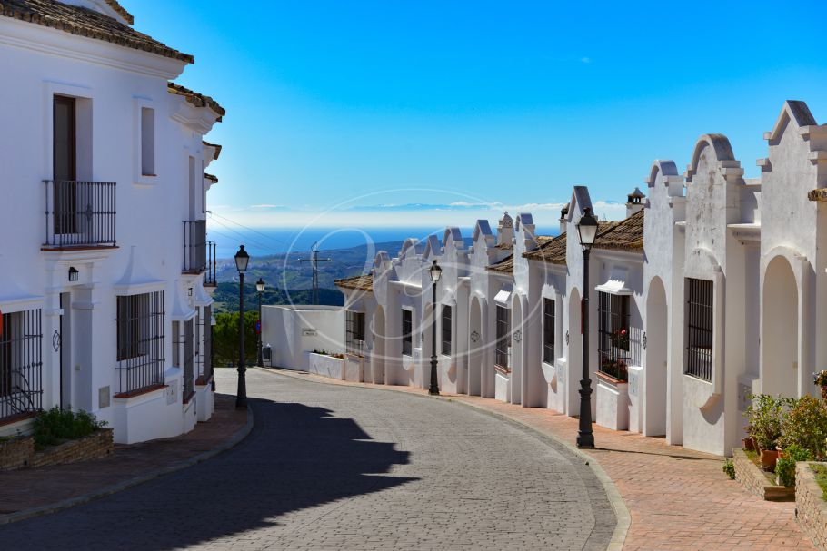 Beautiful 3 Bedroom Townhouse, Casares