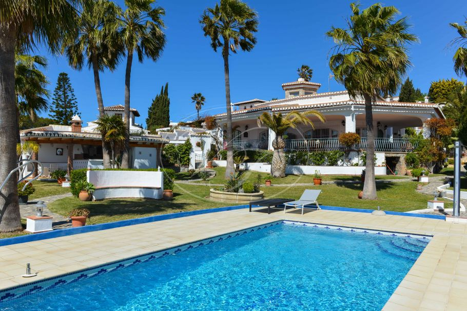 Villa with exeptional sea views, La Herradura