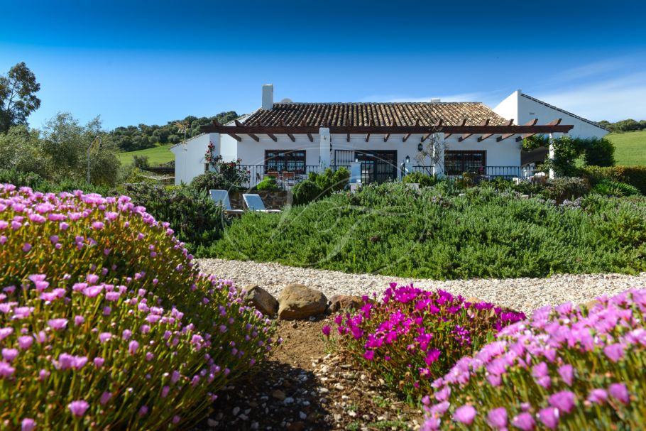 Immaculate country house with views towards El Torcal, Villanueva de la Concepción