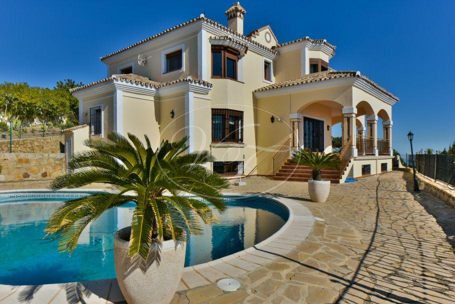 Impressive Villa with Panoramic Views, Casares