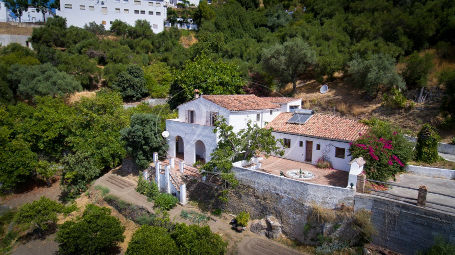Lovely reformed mill with natural pool, Genalguacil