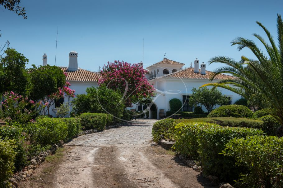Fabulous Hunting Estate with spectacular Cortijo, Cordoba