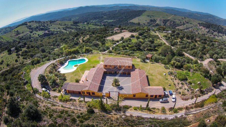 Unique luxury Cortijo with equestrian facilities near Marbella, Casares