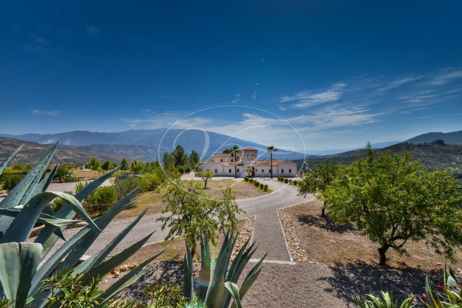 Luxury Hacienda with courtyard, Lecrin Valley, El Valle