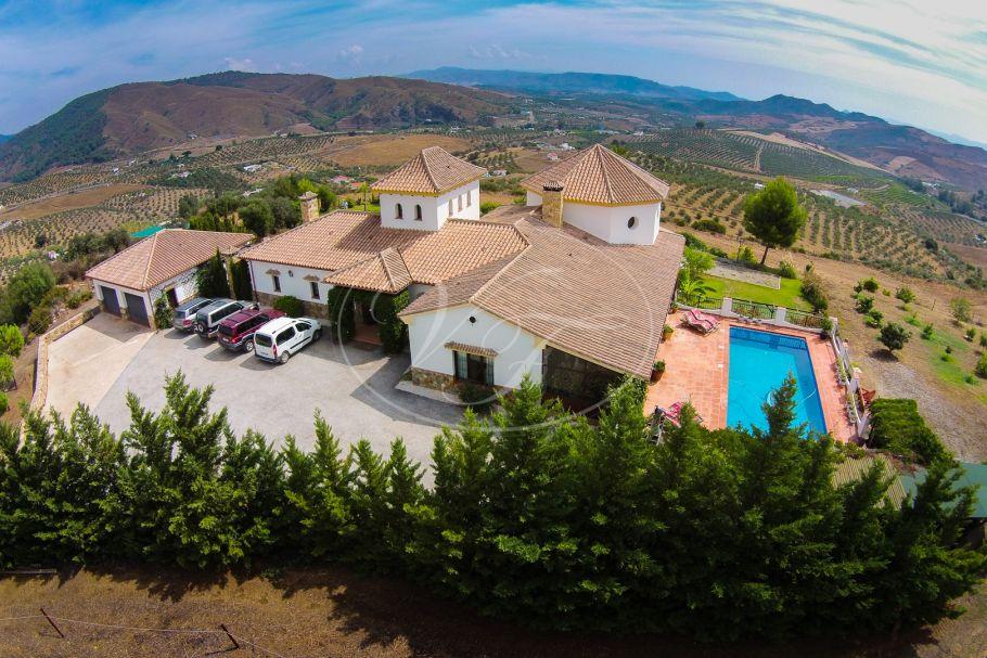 Luxury Country Villa with stunning views, Casarabonela