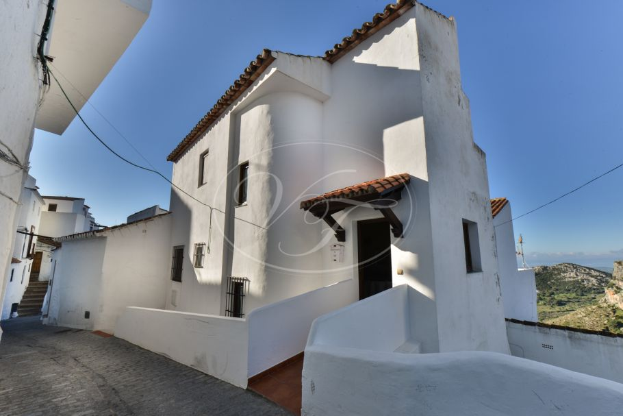 Reformed Village House, Casares