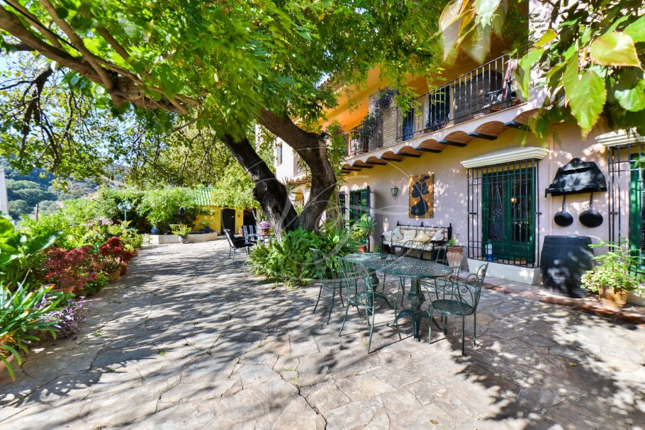 Hacienda style country house with guest house, Jimena de La Frontera