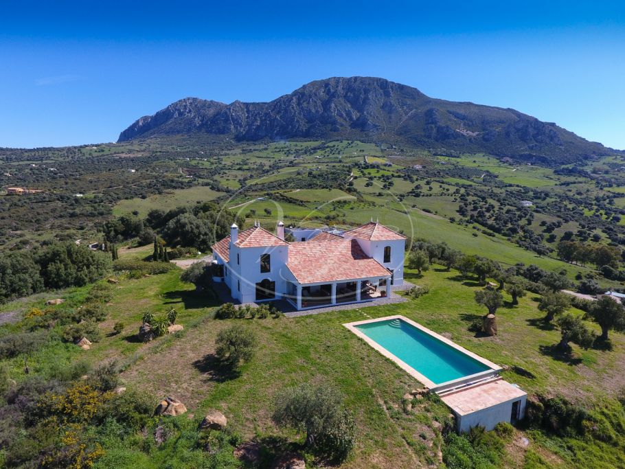 Exceptional cortijo with panoramical views, Casares