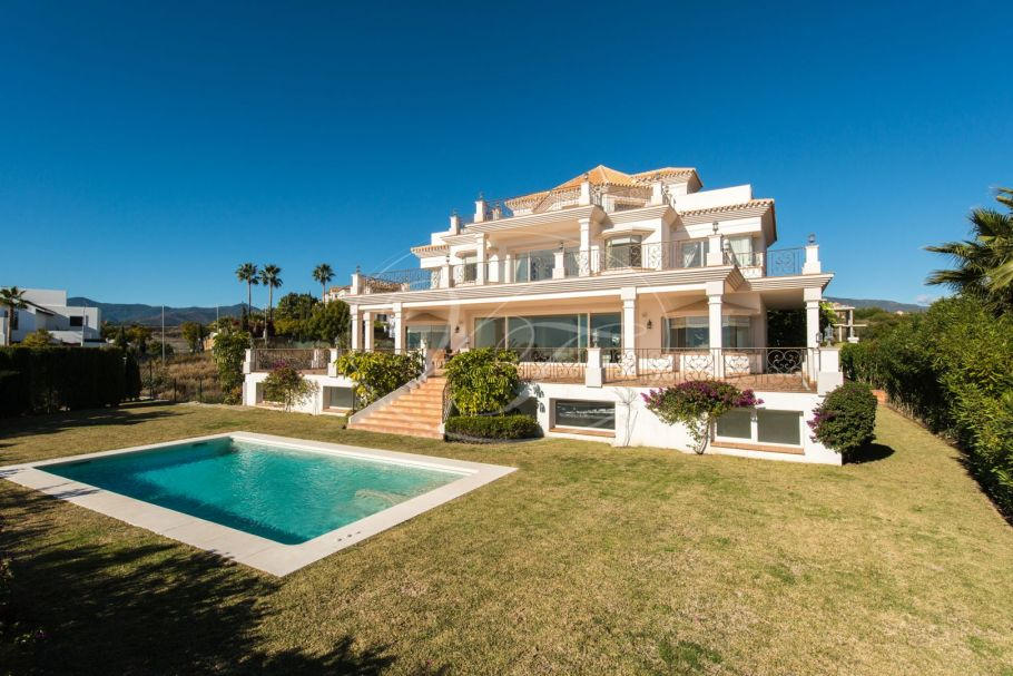 7 bedroom villa with spectacular views, Los Flamingos Golf