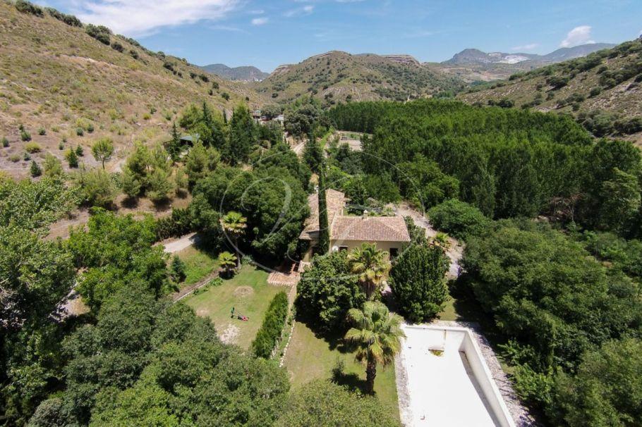 Preciosa finca de caza con casa de lujo, Granada