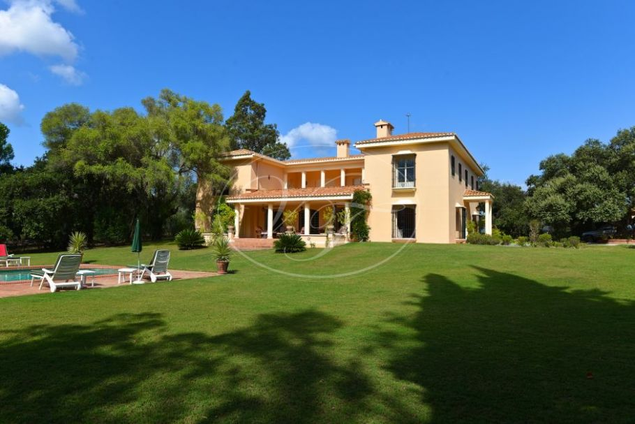 Luxury country villa with stables and a guest house near Sotogrande, Jimena de La Frontera