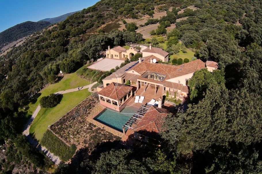 Luxury Cortijo styled country property in the mountains