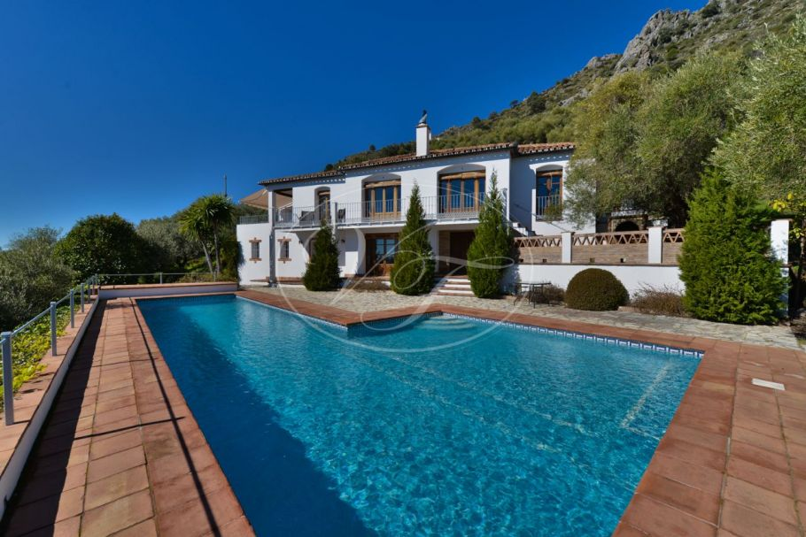 Comfortable country house with stunning sea and mountain views, Gaucin