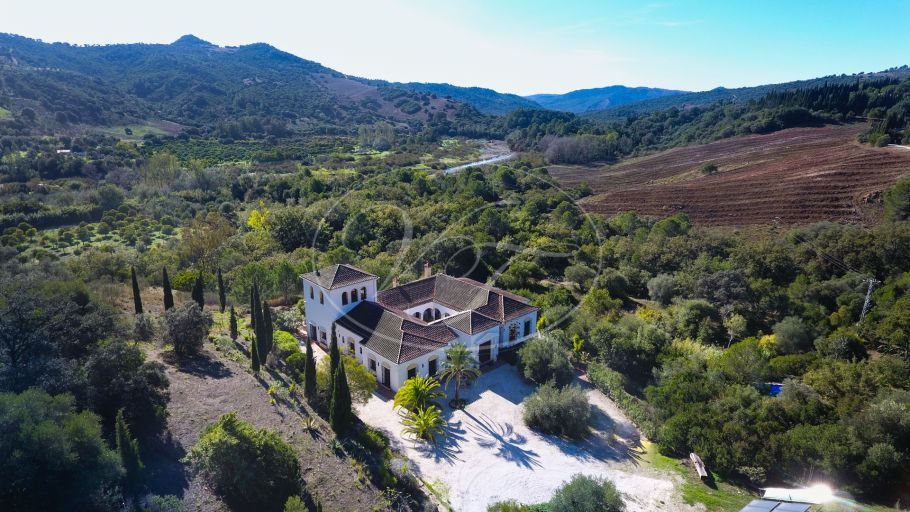 Luxury Cortijo-style country Villa with vineyard, Gaucin