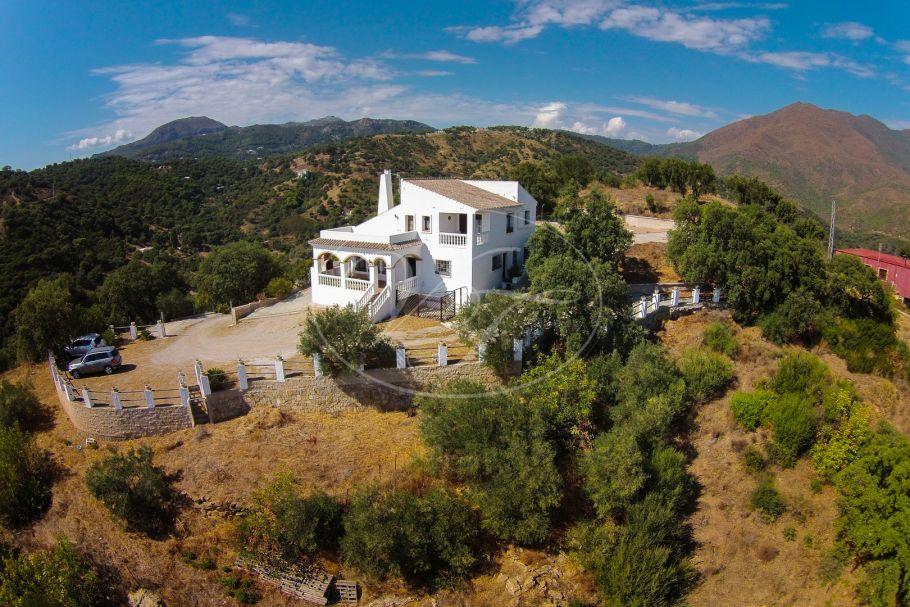 Country Villa with sensational sea views, Casares Montaña