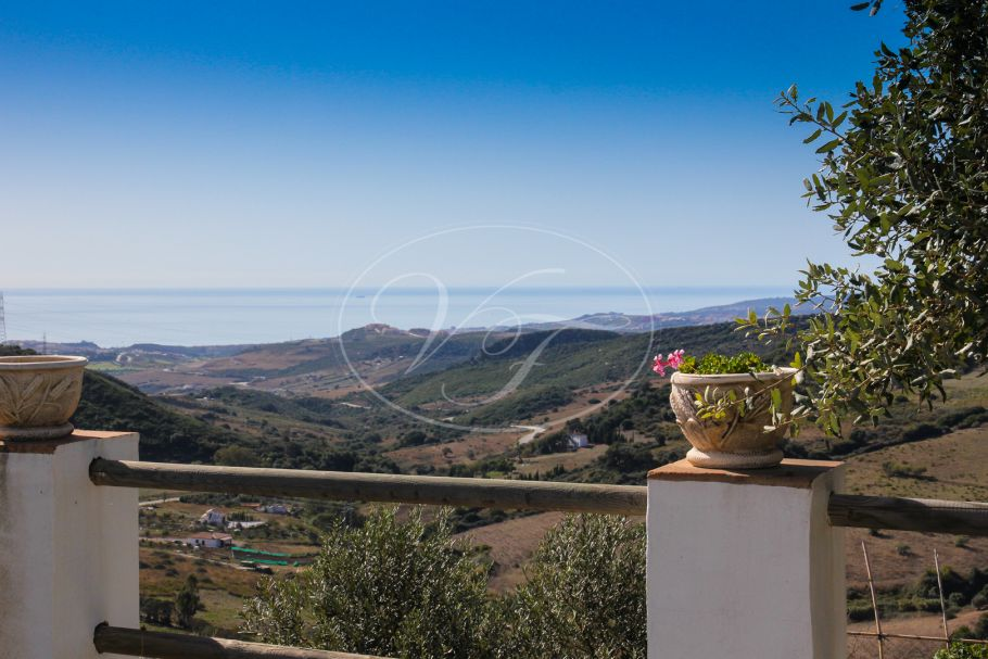 Country Villa with sensational sea views, Casares Montaña