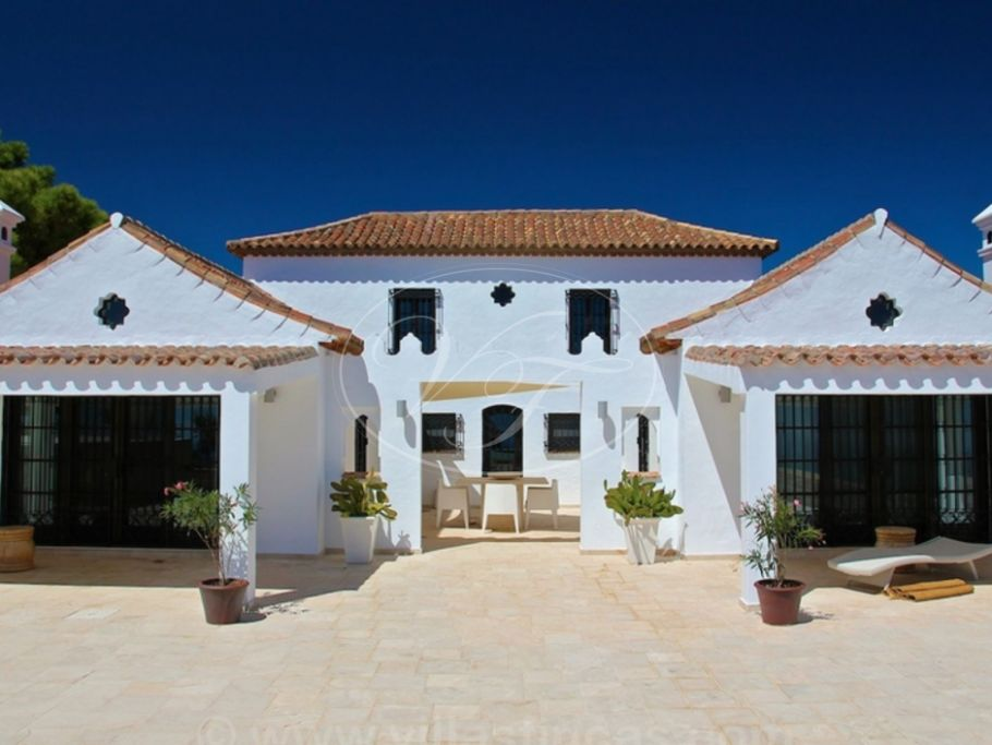 Magical cortijo, hill top paradise with sea views, Casares