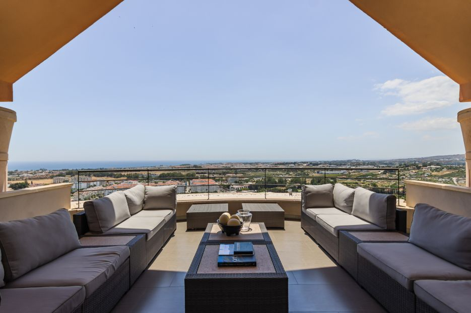 Modern 3 bedroom penthouse with stunning views