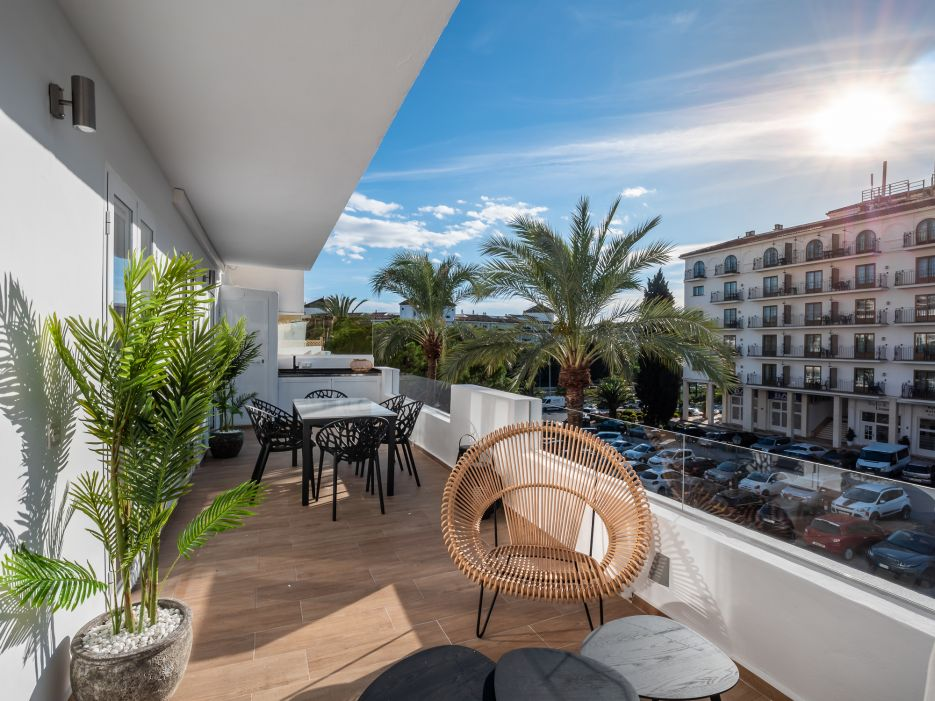 Totally refurbished apartment next to the H10 hotel in Nueva Andalucia
