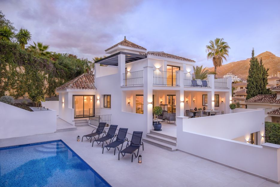 Completely refurbished Villa in Los Naranjos Hill Club