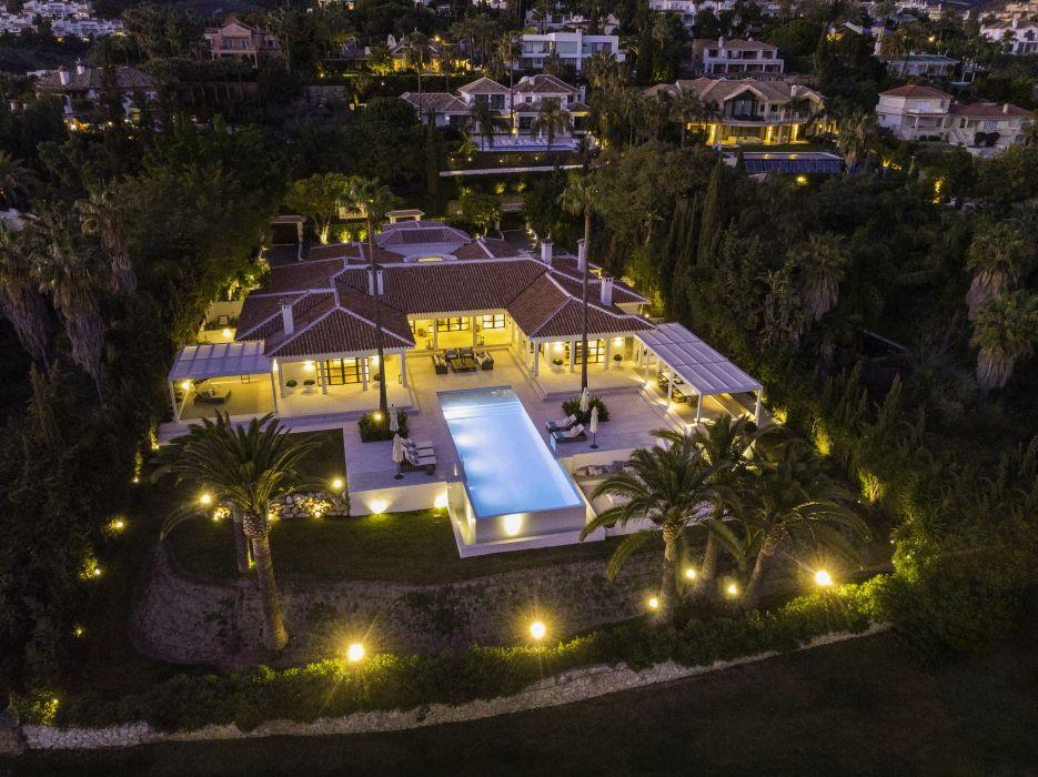 Villa Julia - front line golf luxury villa in La Cerquilla, Marbella