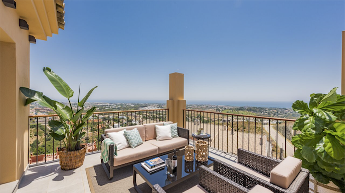 Penthouses with stunning views in La Alquería, Benahavis