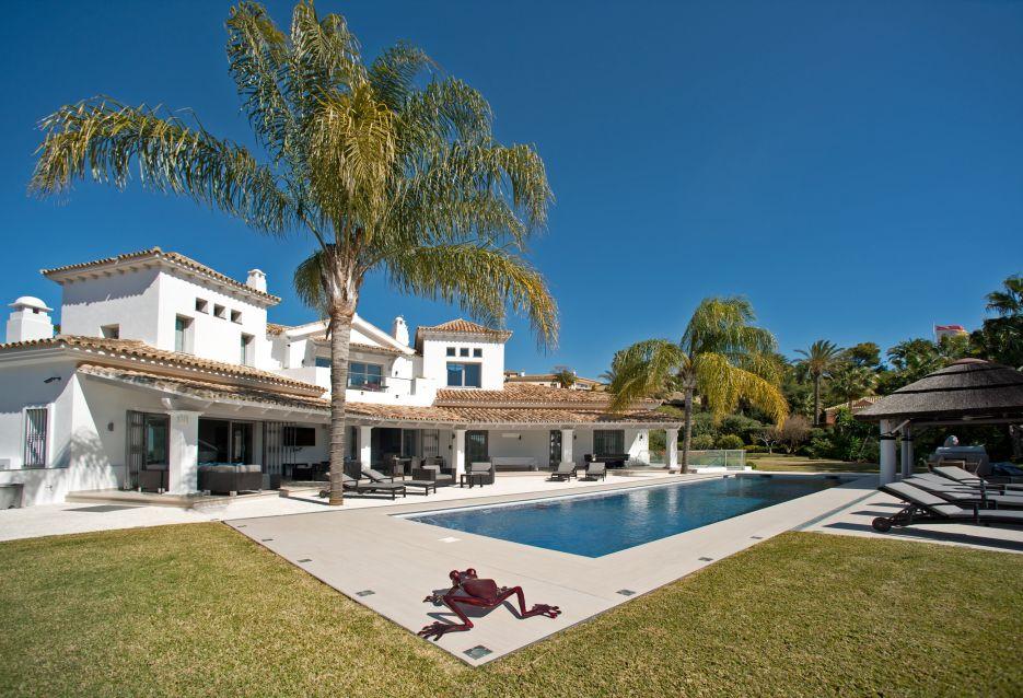 6 bedroom villa with sea views for sale in Vega Colorado