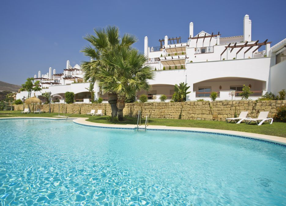 2 bedroom ground floor apartment for sale in Aloha, Nueva Andalucia