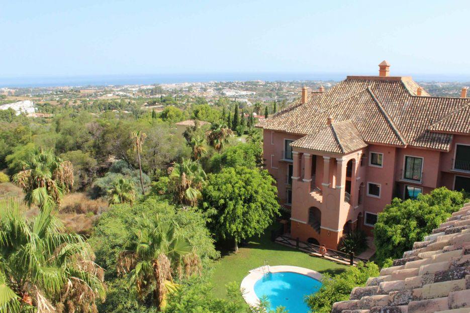2 bedroom apartment for sale in Monte Halcones