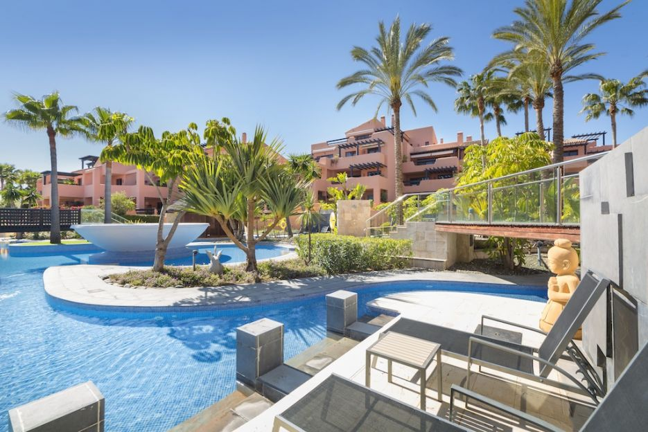 Beachfront ground floor apartment for sale in Estepona