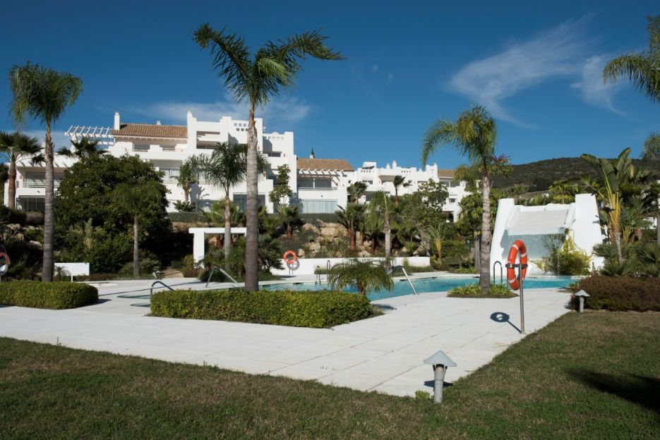 New Development with central Lagoon in Casares