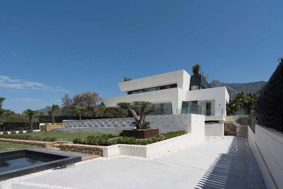 New villa for sale in Altos de Puente Romano - Marbella Golden Mile
