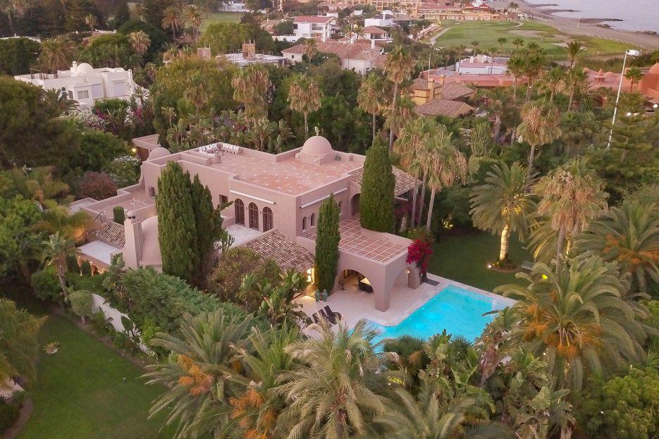 Spectacular villa for sale in Casasola