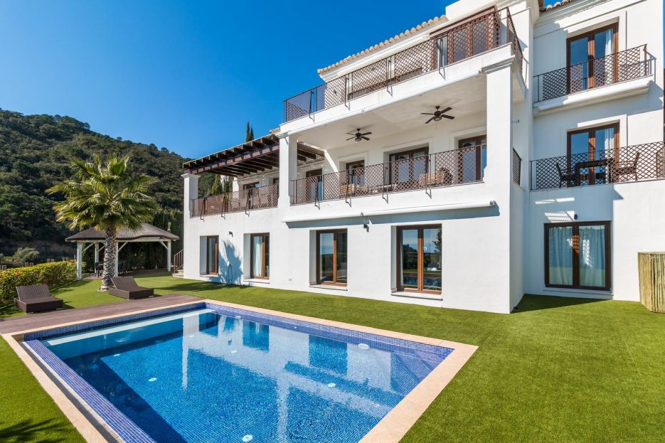 Villa for sale in Benahavis Hills & Country Club